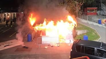 A Winterthur prende fuoco la buvette