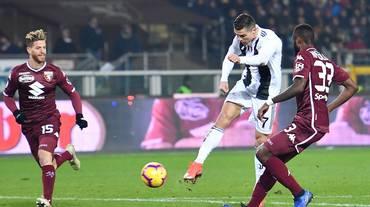 Ronaldo castiga anche il Toro