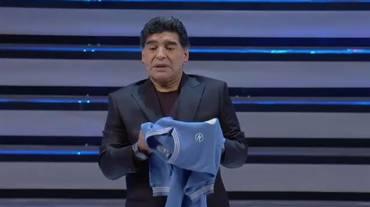 Maradona, è delirio anche a teatro