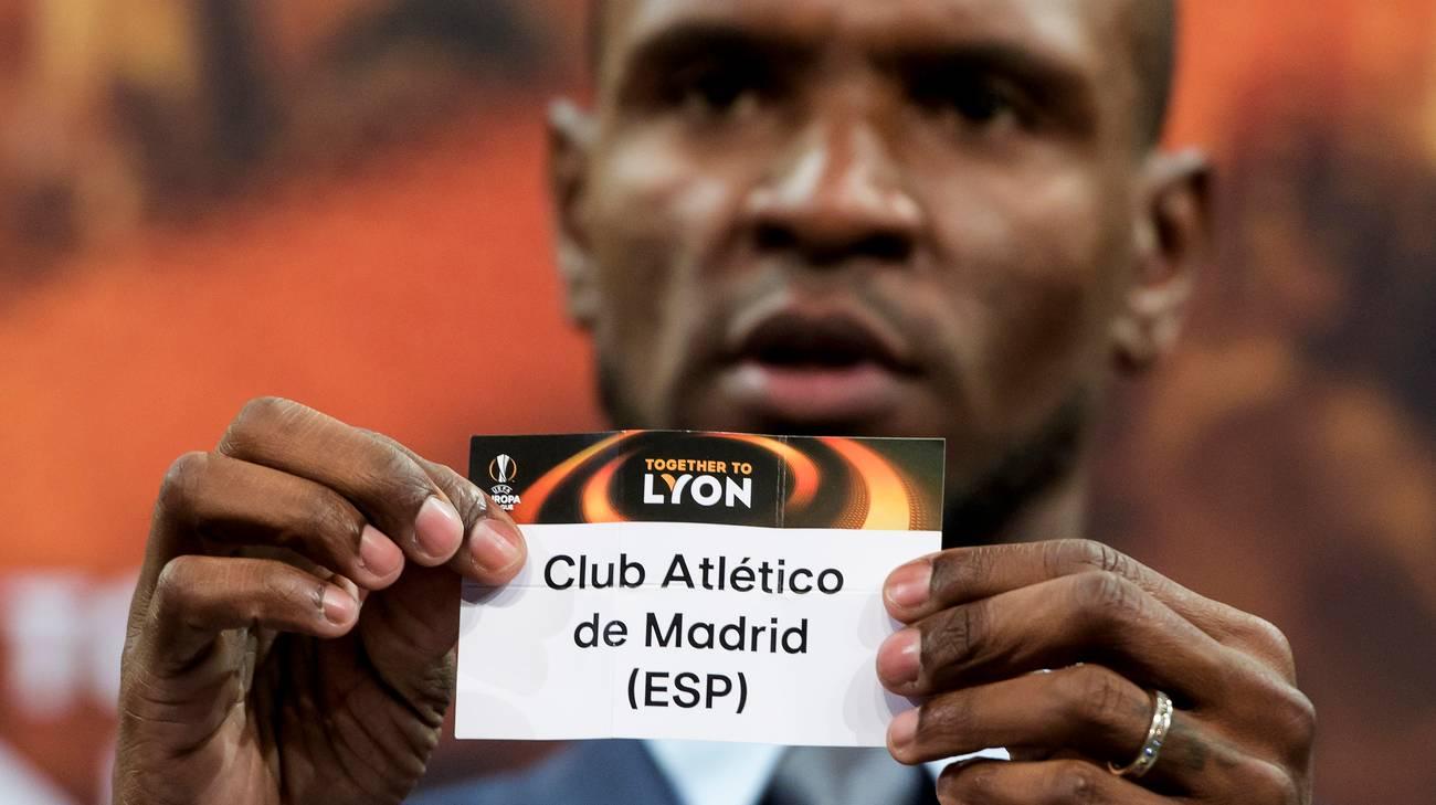 L'ex terzino francese del Barcellona ha patrocinato il sorteggio
