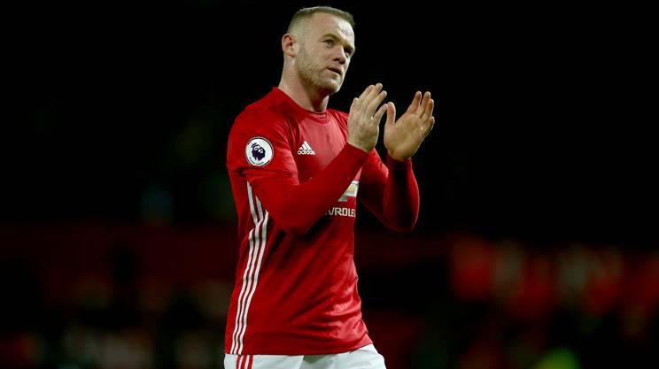 Rooney da record salva lo United