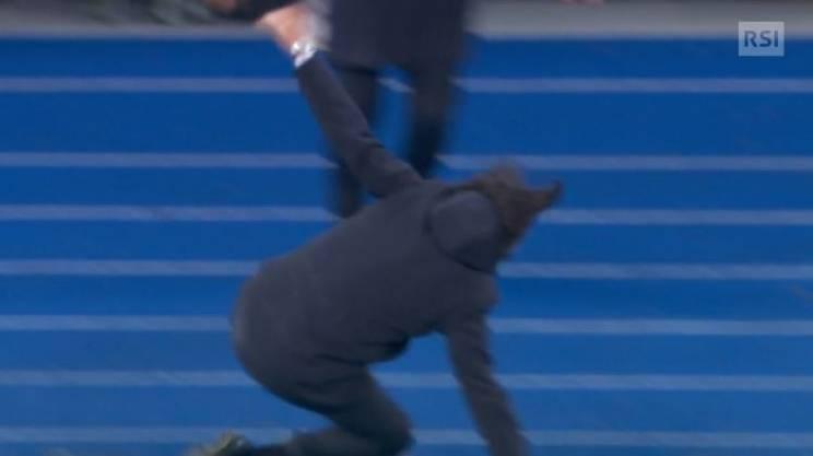 Simone Inzaghi rischia grosso esultando dopo un gol