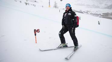 Tschuor alla guida dell'alpino femminile