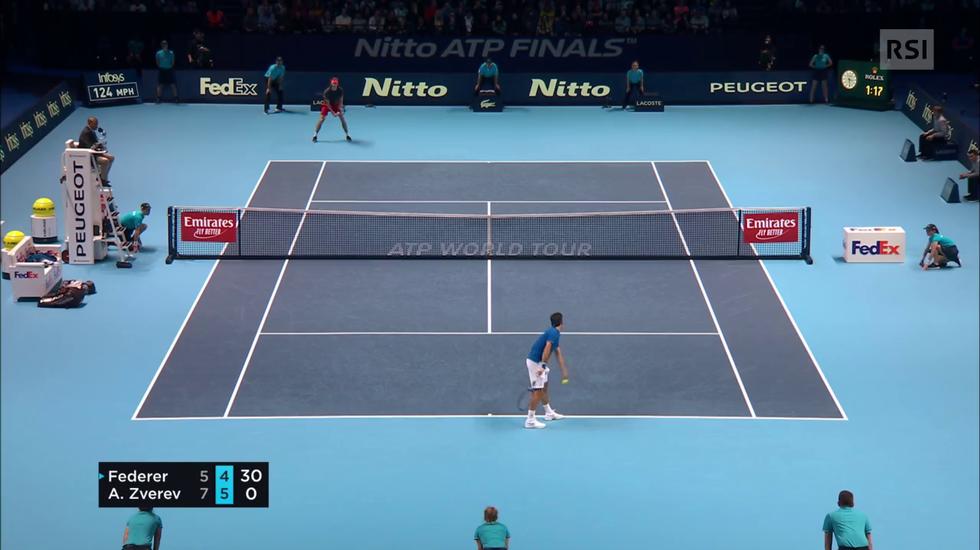 ATP Finals, lo spettacolare scambio tra Federer e Zverev (17.11.2018)