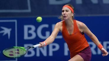 Una nervosa Belinda Bencic battuta in finale