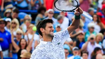 Djokovic batte Federer ed entra nella storia