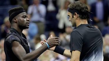 Esordio pericoloso per Federer
