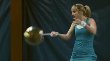 Timea torna in campo... in un videoclip
