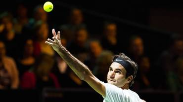 Federer vola in finale a Rotterdam