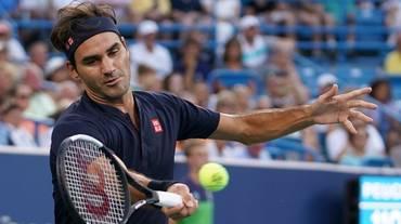 Federer riparte con un successo su Gojowczyk