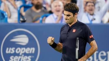 Goffin si ritira, Federer vola in finale