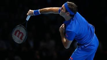 Federer stecca l'esordio alle Finals